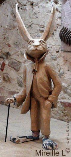 Sculpture en papier maché de Monsieur lapin – poloche71000