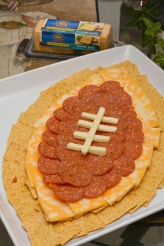 Life With 4 Boys: Cheese and Cracker Football Centerpiece #Recipe #CrystalFarmsCheese – sanddgriffin
