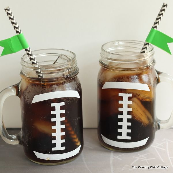 Football Party Mason Jar Crafts — simple ideas to use at your next football party! – ashleyandtaytay