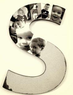 pêle mêle photos à faire soi-même – un monogramme décoré de photos d'un petit garçon découpées et distribuées soigneusement – flo253